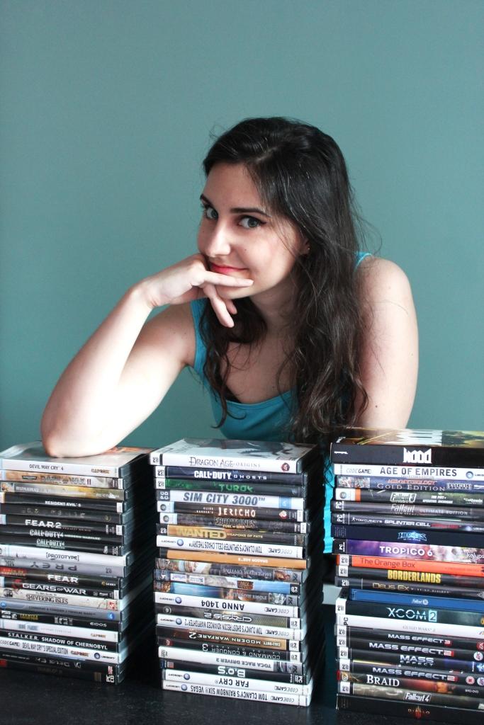 Fotografía del perfil de Bea, la mujer gamer del experimento. Modelo: Sara Labalestra Fotografía: Marina Amores